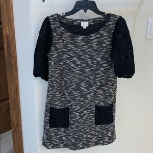 Dresses & Skirts - 9-H15 black and white dress